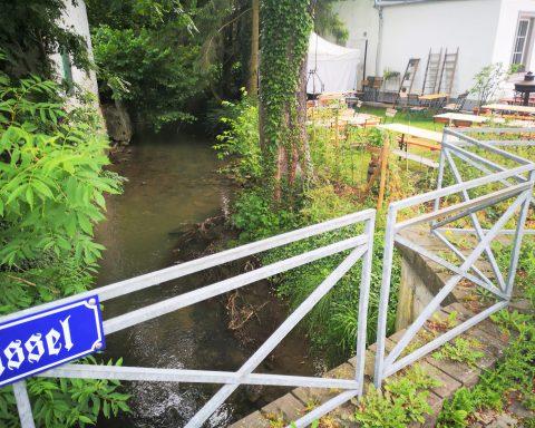 Hier mündet die Kleine Düssel in die Düssel in Gruiten-Dorf.